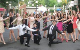 Ballet Group outside